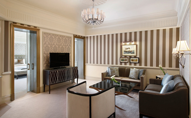 executive-suite-living-room